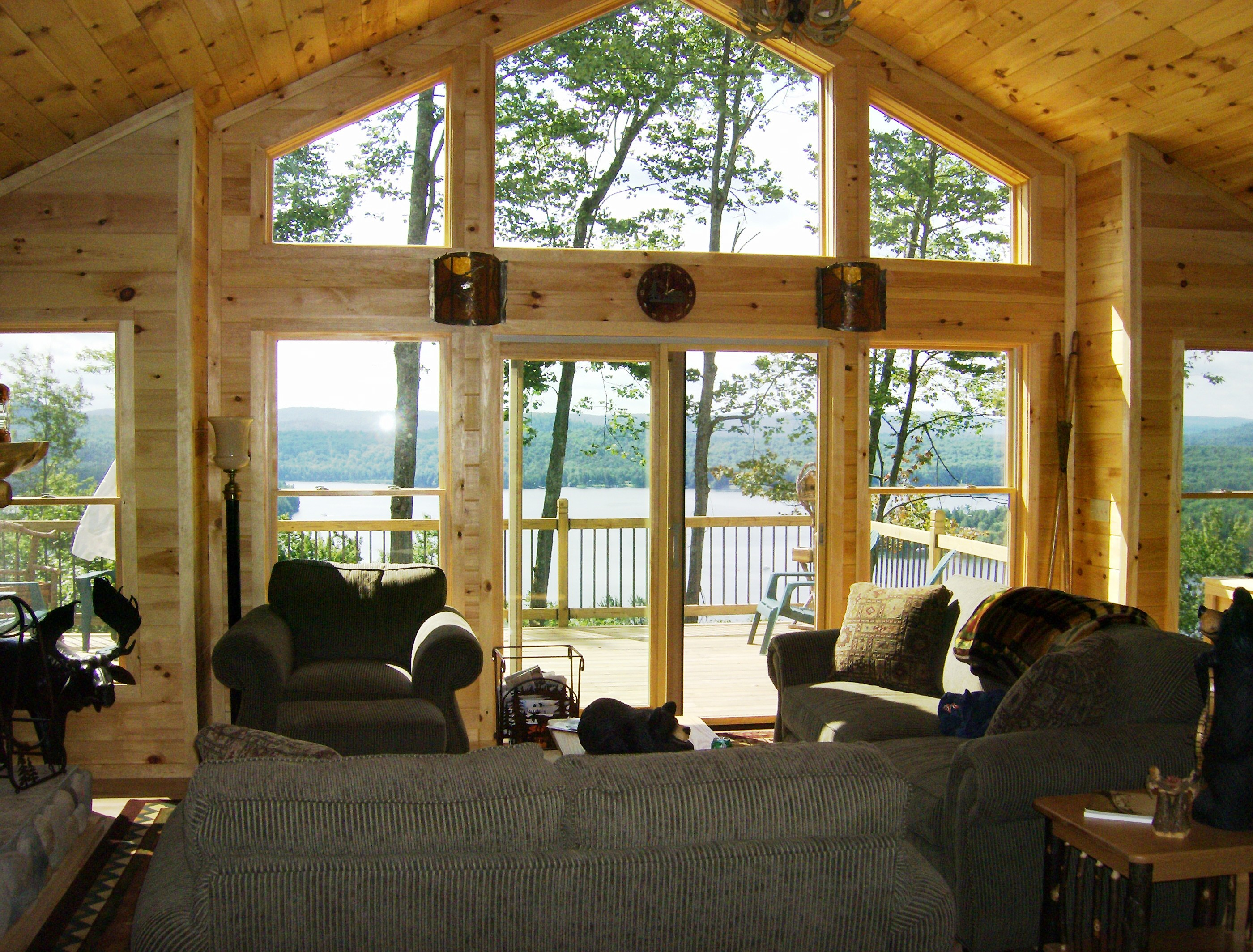 old_forge_adirondack_lvl_great_room.jpg